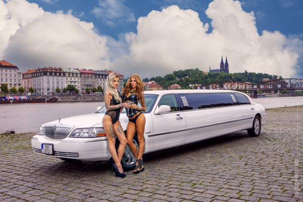 Prague Lincoln Limo & Strip